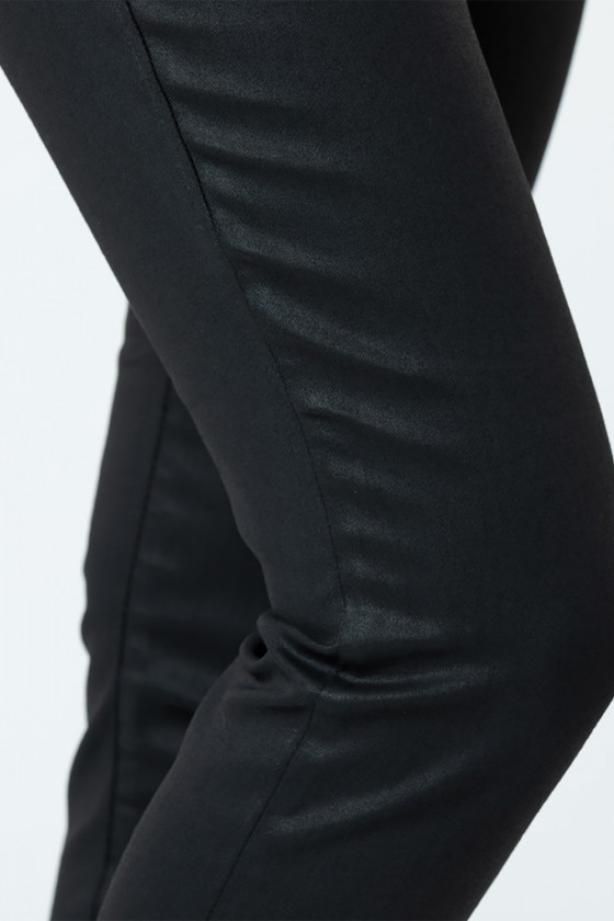 Jean LC135 Black Coatted